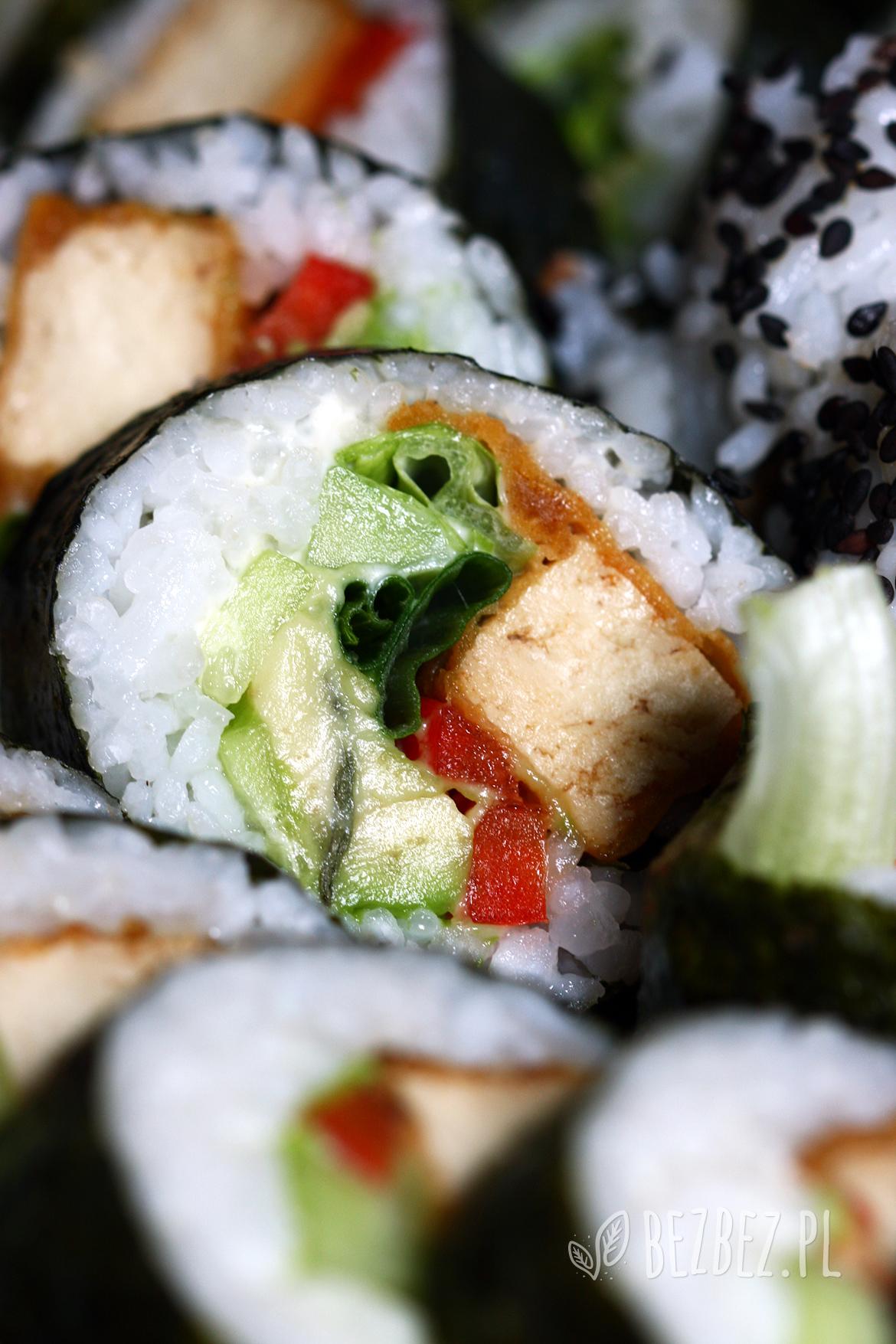 Wegańskie sushi z tofu i pastą rybną