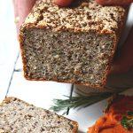 Chleb z kaszy gryczanej z ziarnami i amarantusem