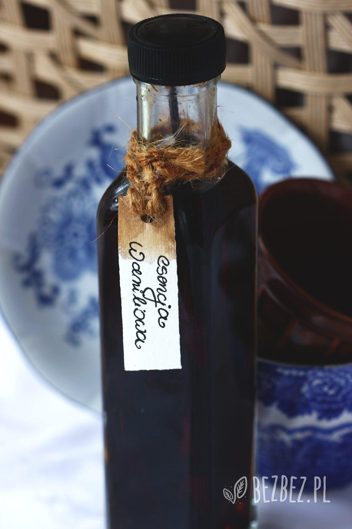 Domowa esencja waniliowa w butelce