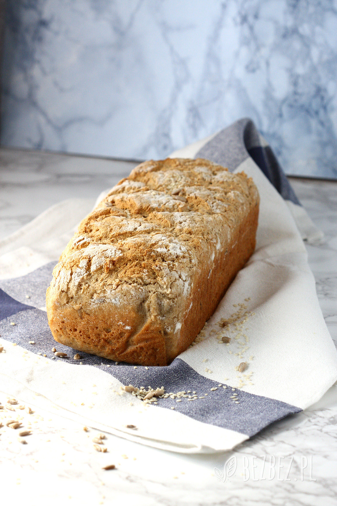 Bezglutenowy i wegański chleb gryczano-ryżowy