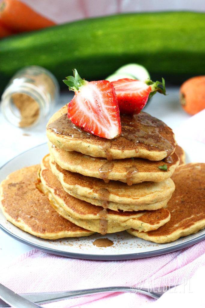 Bezglutenowe racuchy cukiniowo-marchewkowe bez jajek, nabiału i cukru