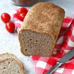 Chleb bezglutenowy z mąką i płatkami teff na drożdżach