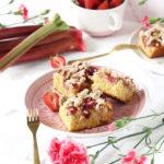 Bezglutenowe ciasto z rabarbarem i truskawkami wegańskie
