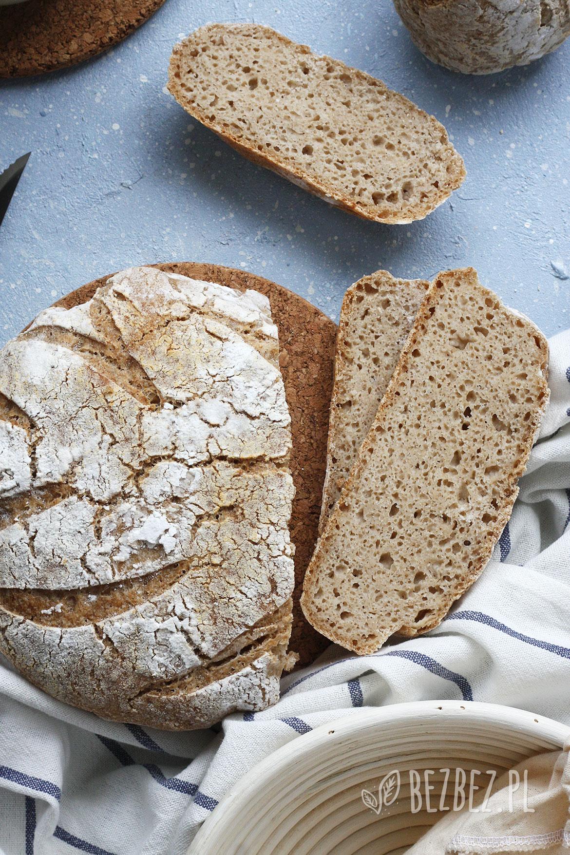 Chleb bezglutenowy na zakwasie ryżowo-owsianym pieczony w garnku