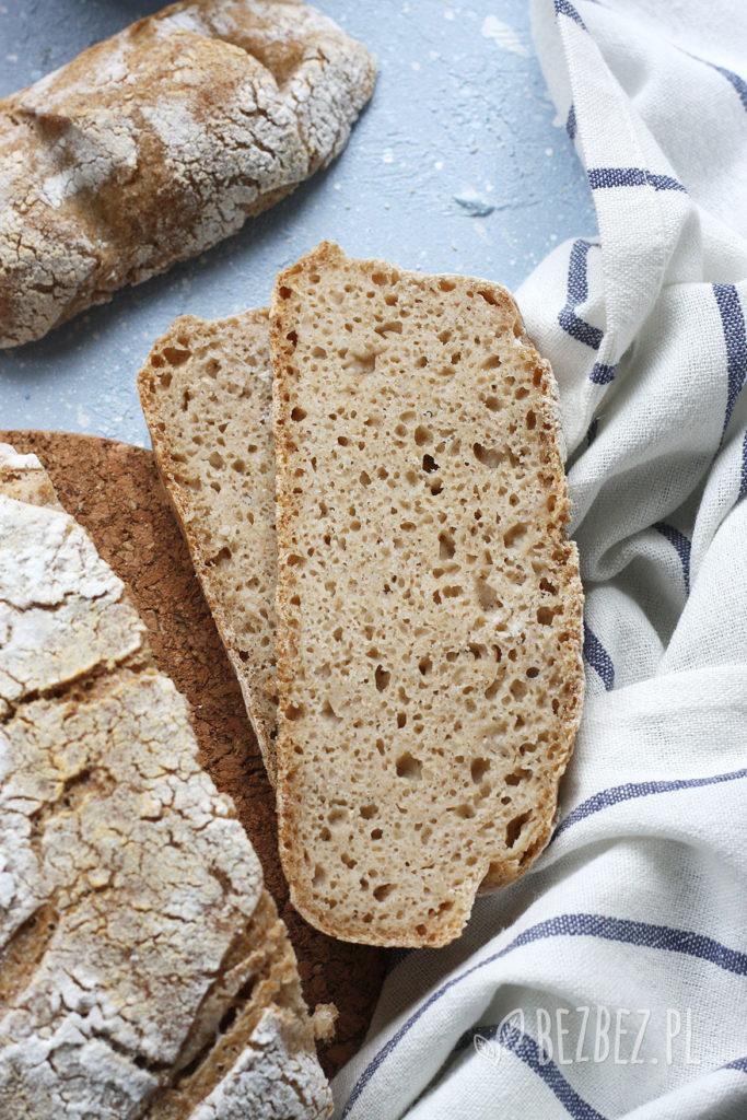 Chleb bezglutenowy na zakwasie pieczony w garnku - kromki