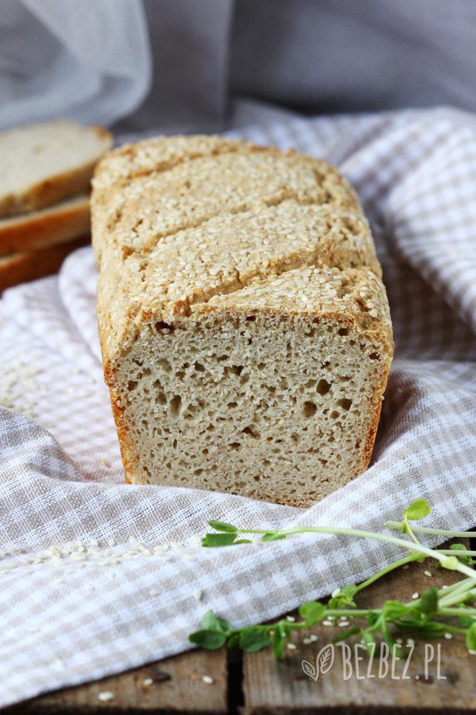 Wielozbożowy chlebek bezglutenowy - bochenek