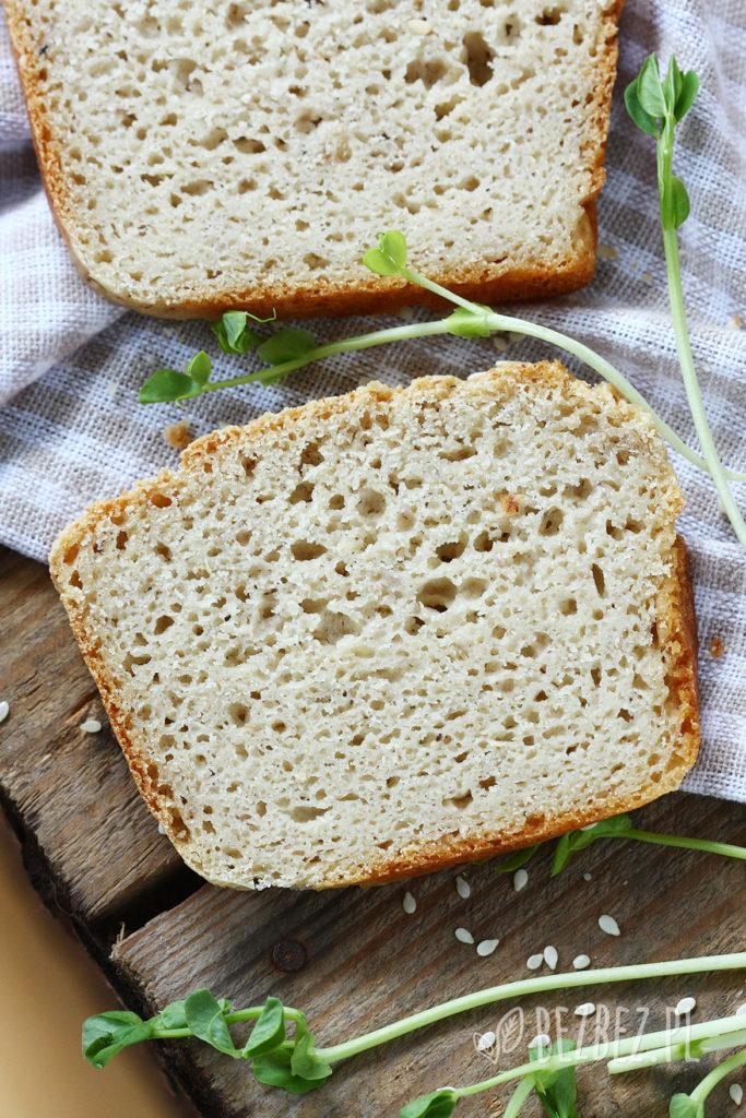 Wielozbożowy chlebek bezglutenowy - kromka