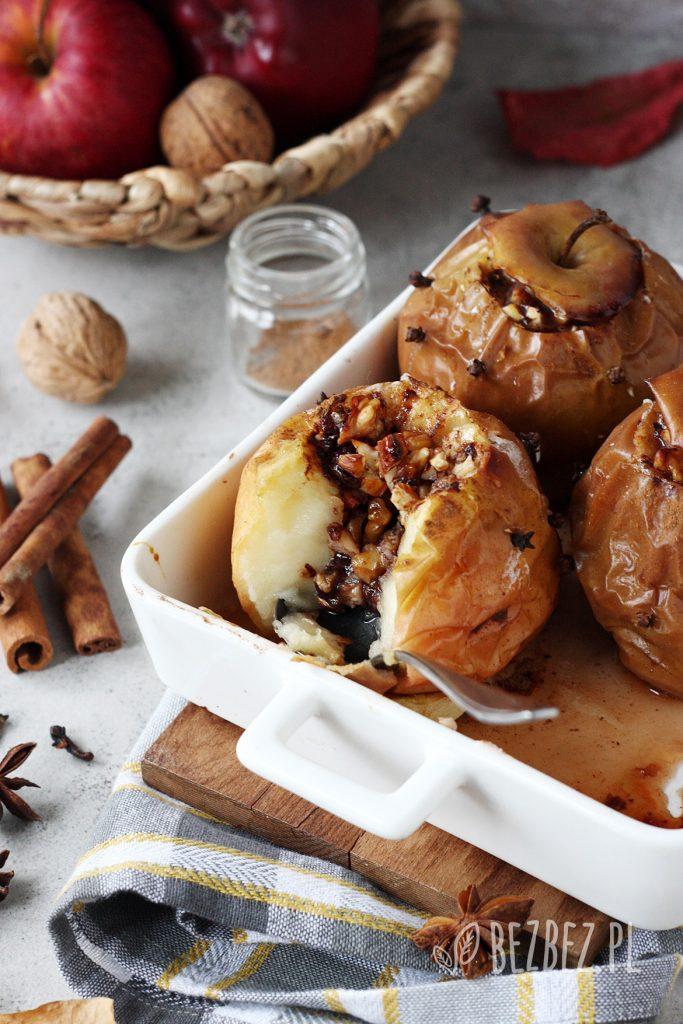 Pieczone jabłka na idealny, jesienny deser