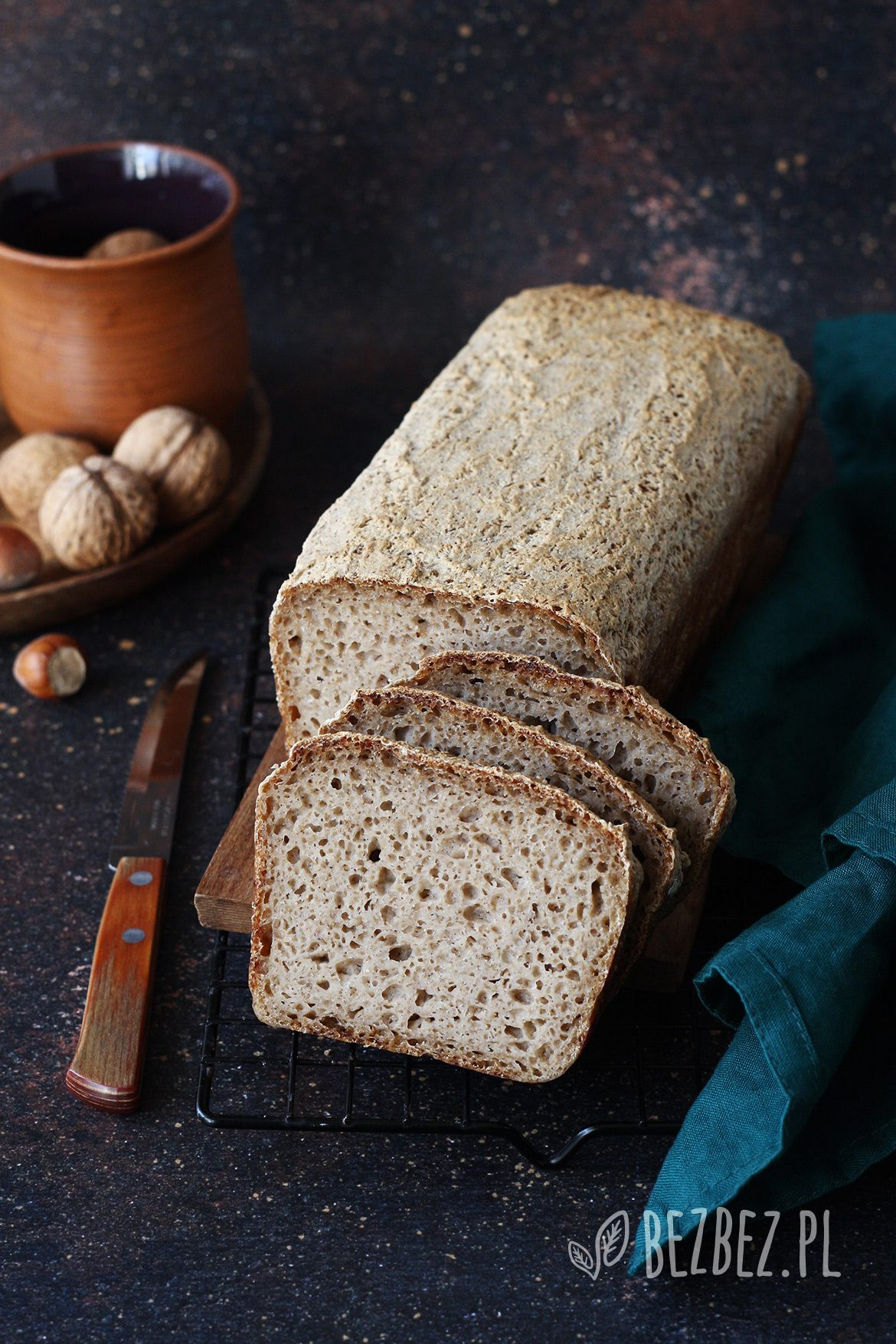 Bezglutenowy chleb na zakwasie bez mąki owsianej