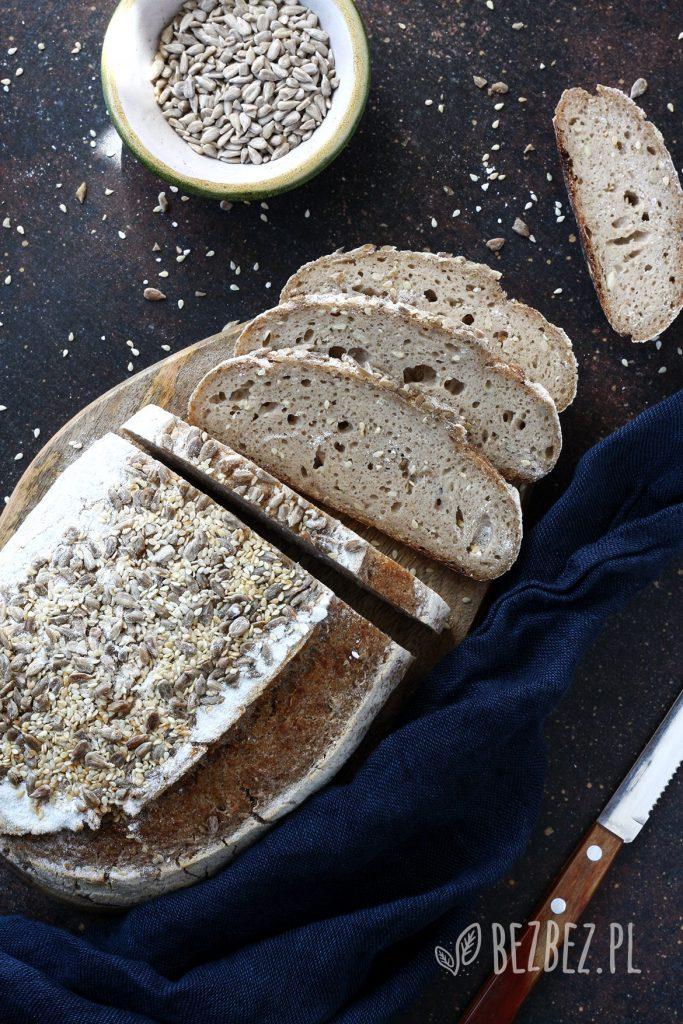 Chleb bezglutenowy na zakwasie z ziemniakiem i ziarnami (bez owsa)