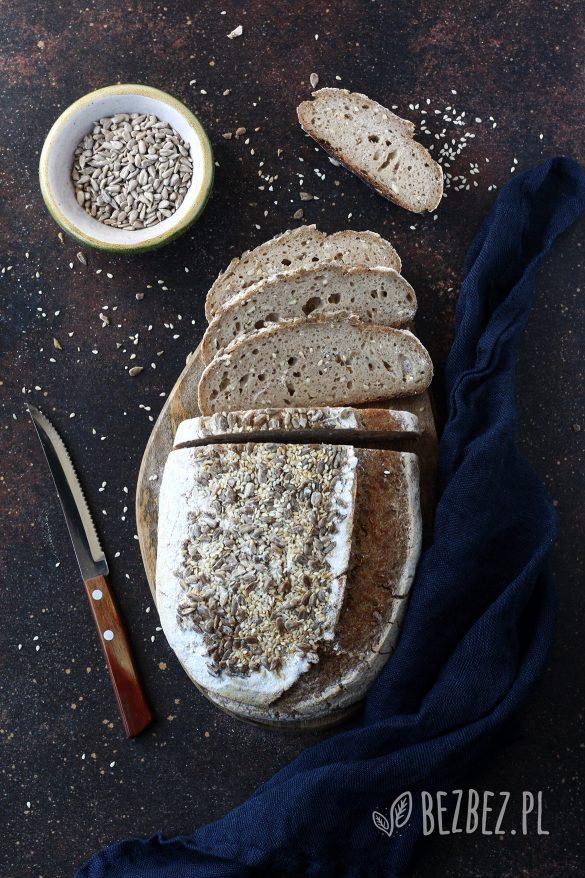 Chleb bezglutenowy na zakwasie bez owsa pieczony w garnku/naczyniu