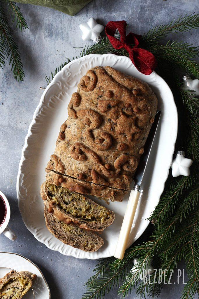 Świąteczny, bezglutenowy kulebiak z kapustą i pieczarkami, bez jajek i nabiału